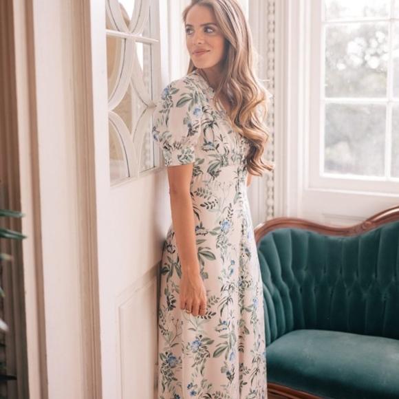 8a6d2932a gal meets glam collection Dresses & Skirts - Gal Meets Glam Lauren  Botanical Garden Print Dress